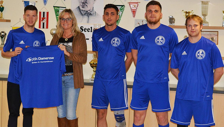 Kreisliga-Kicker freuen sich über neues Outfit