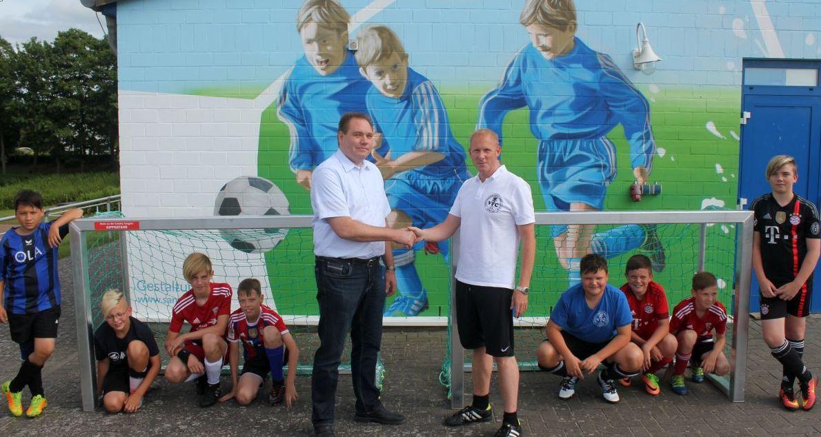 Brüchert + Kärner GmbH spendiert dem VFC zwei neue Fußballtore