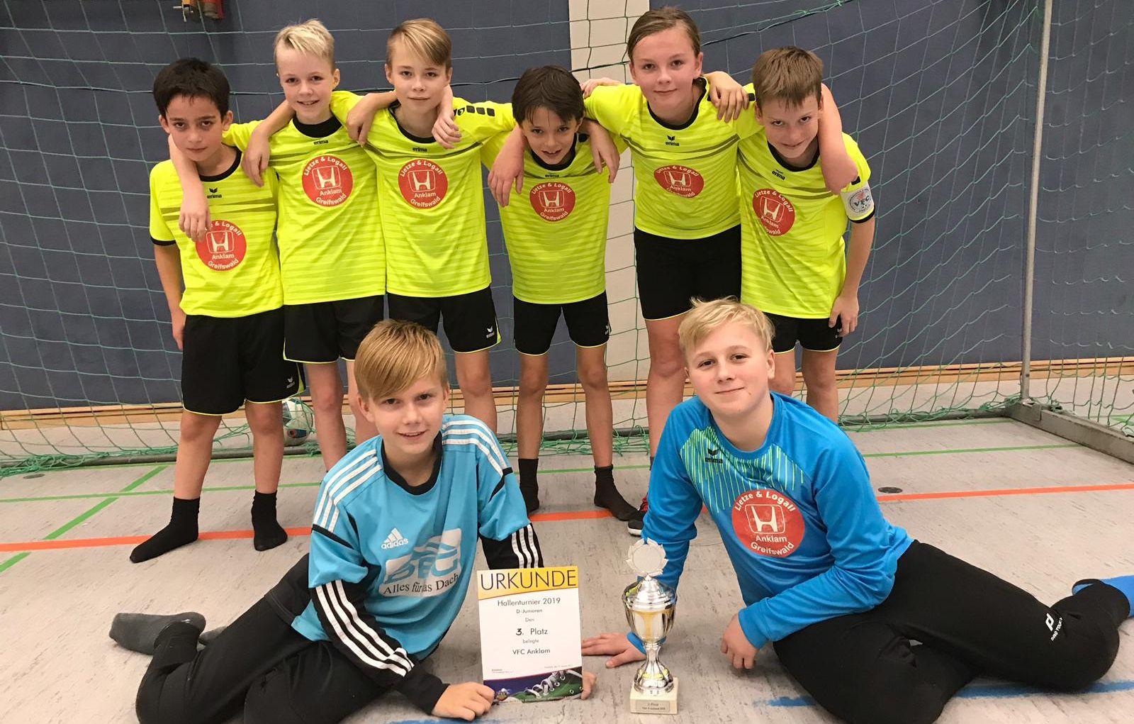 D1-Junioren erreichen unterm Friedländer Hallendach den dritten Platz