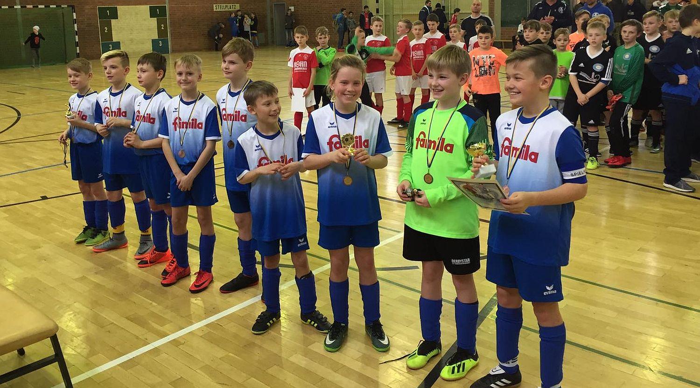 E1-Junioren beenden Hallensaison mit einem dritten Platz in Stralsund