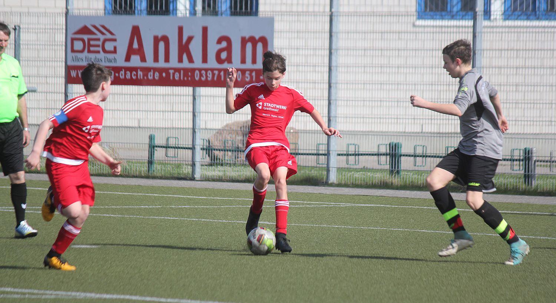 Kreisklasse: D2-Junioren kämpfen trotz klarer Niederlage tapfer