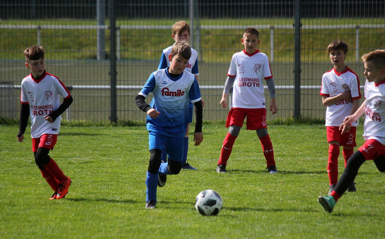 E1-Junioren siegen klar – E2-Jugend ist chancenlos