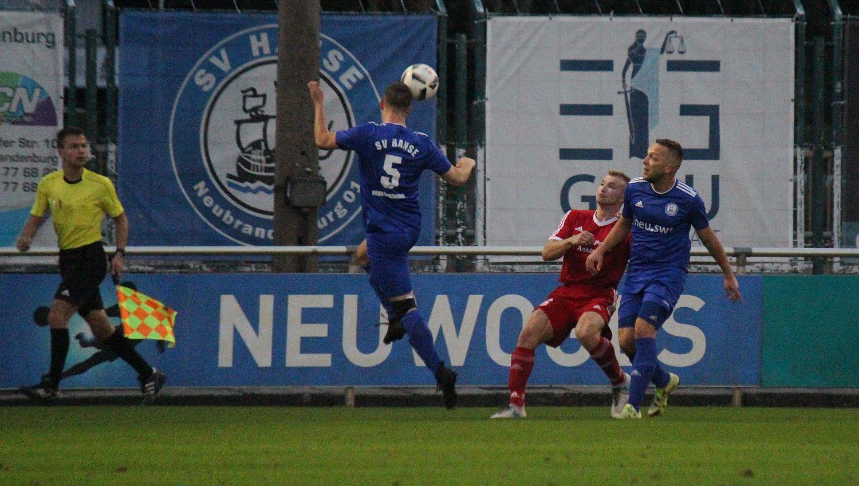 3:2-Auswärtserfolg: Landesliga-Kicker siegen unter Flutlicht