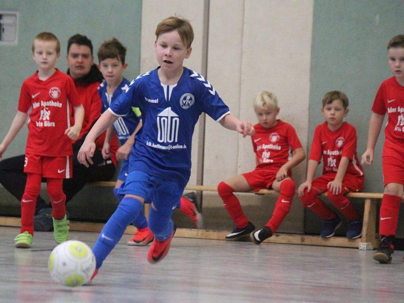 Futsal-Meisterschaft: F-Junioren beenden Vorrunden-Turnier in Loitz auf dem Bronzerang