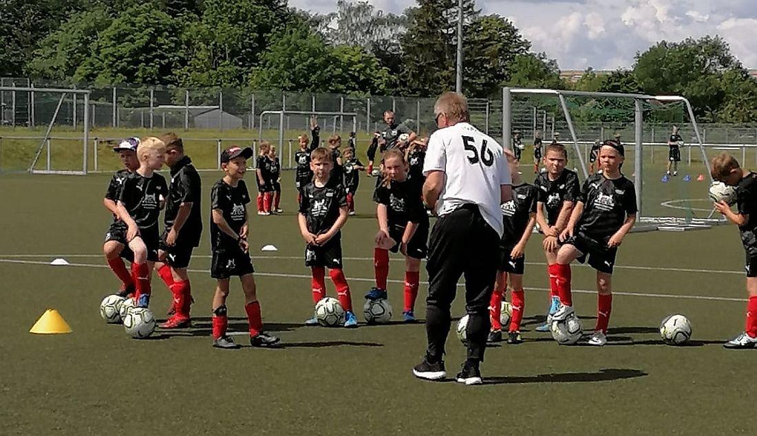 Anmeldungen für Ferien-Fußballcamp sind weiterhin möglich