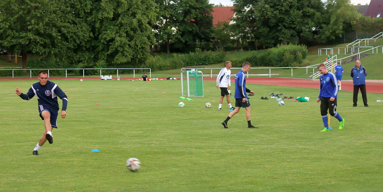 Sommerpause ade: Landesliga-Kicker absolvieren ihre erste Trainingseinheit
