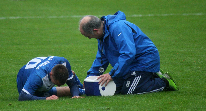Schwere Verletzung überschattet Testspiel: John-Philipp Bruhns droht monatelange Zwangspause