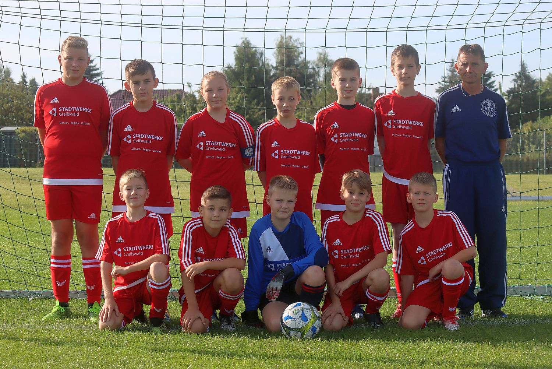 D2-Junioren jubeln in Kröslin – D3-Team verliert klar