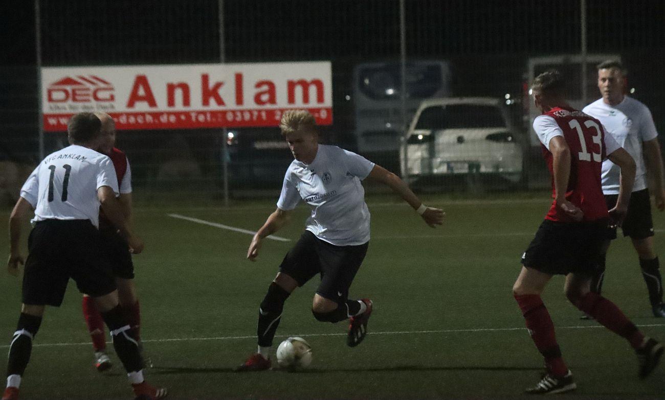 Kreisoberliga-Kicker gewinnen Aufsteigerduell gegen Einheit Strasburg